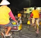 Jakarta soup peddlars, kaki lima