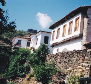 Hotel Nisanya facade.