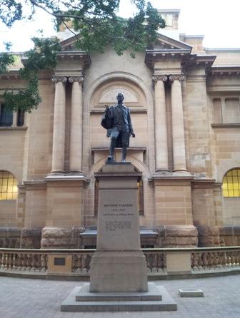 Matthew Flinders statue.