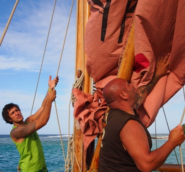 Alex Olon and Thomas Wynne raising mainsail