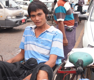 Dalah cyclo driver at wharves