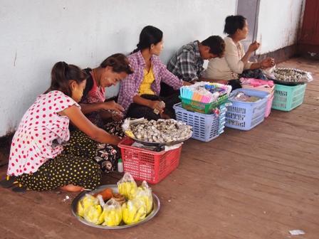 Peddlers aboard Dalah ferry