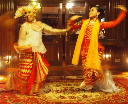 Mandalay dancers during on board performance