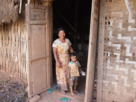 Nwe Nyein village mother and child