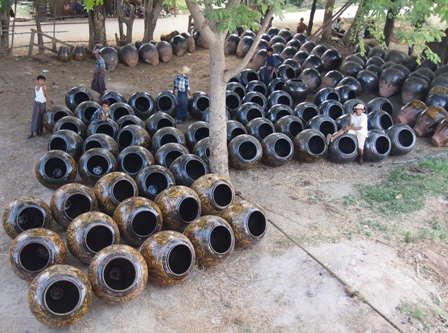 Nwe Nyein pots waiting for shipment