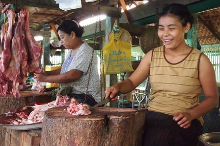 Pakkoku market butchers