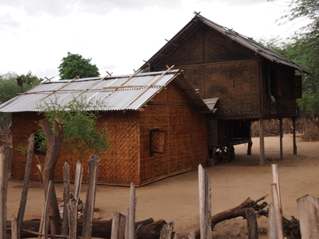West Pwasaw village houses