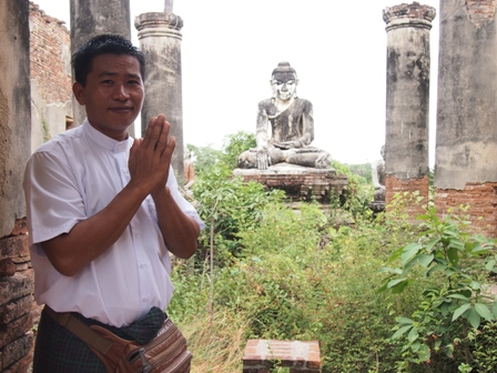 RV Orient Pandaw crew member at Ava temple ruin
