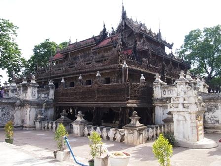 Shwe Nan Daw Kyaung 'Golden Temple'