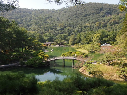 Ritsurin lake and footbridge