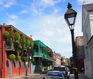 Chartres St French Quarter scene