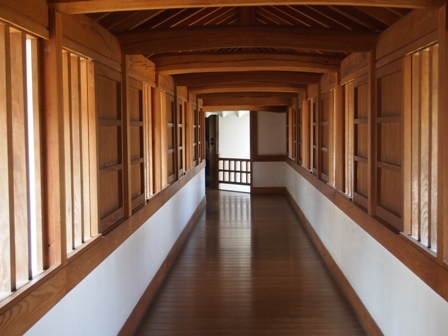 A corridor in Princess Sen's palace