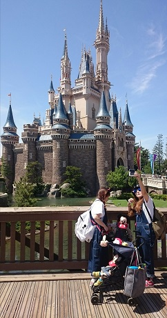 Cinderella castle selfie opportunity